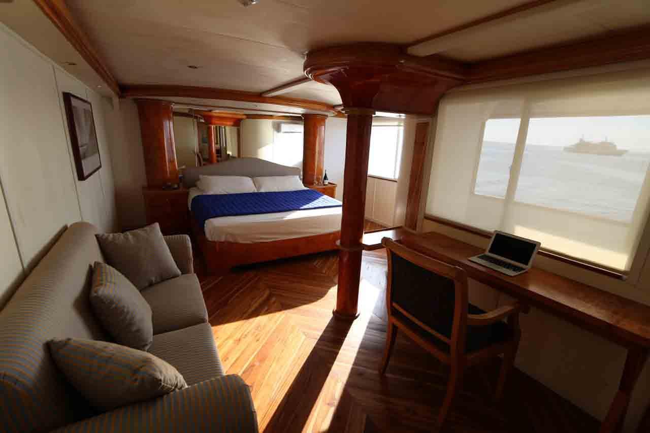 שייט בספינת מילניום