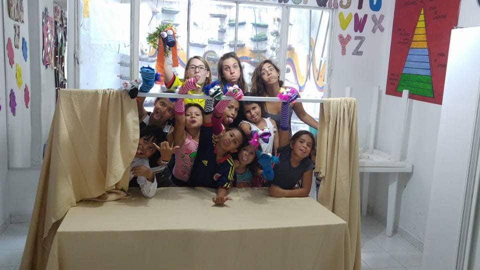 תיאטרון בובות עם הילדים