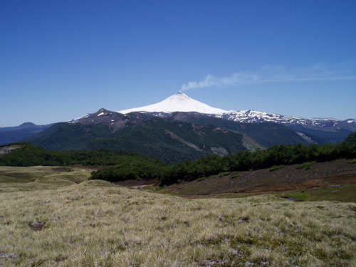 אקוודור, באניוס, הר הגעש